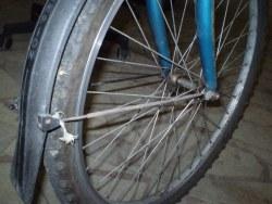 Aj takto to môže dopadnúť ak si bicykel opravuje zákazník sám